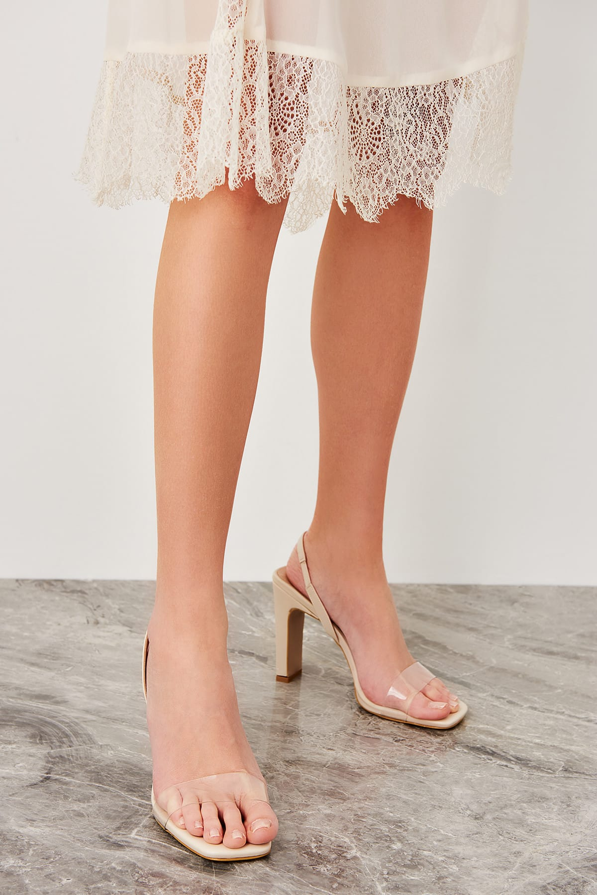 Trendyolmilla, şeffaf topuklu ayakkabı